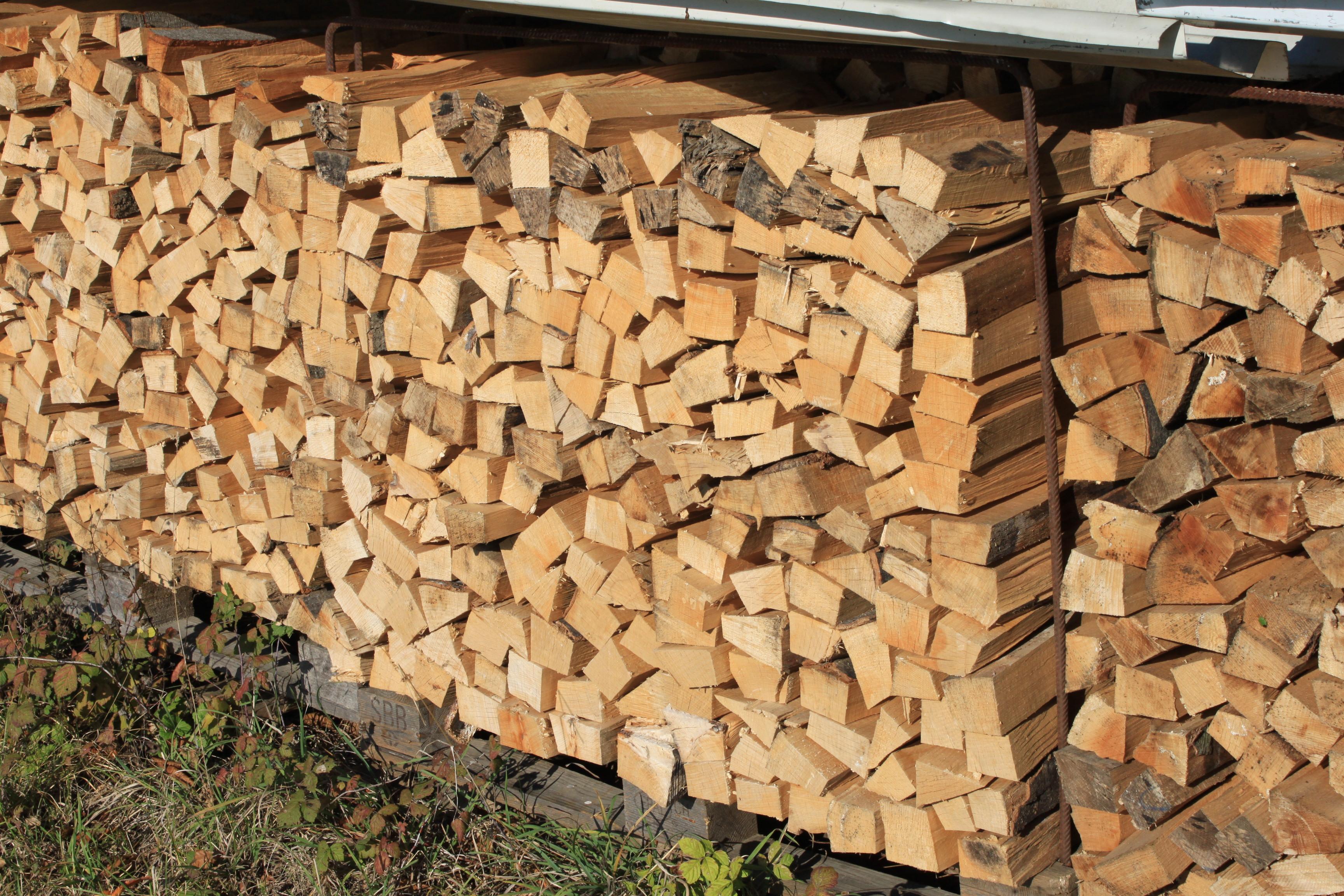 trockenes brennholz online bestellen